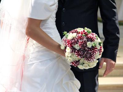 bouquet-dalie-rosse