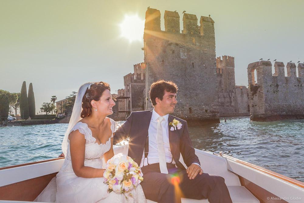 010-sposi-in-barca-castello-di-sirmione
