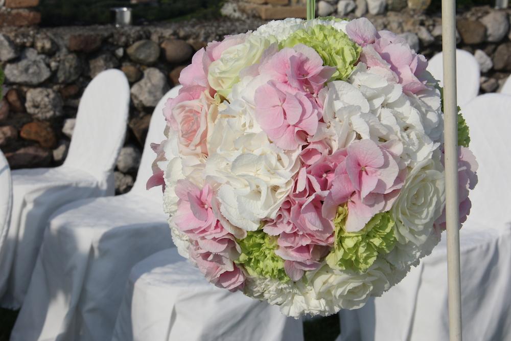 ball-sfera-fiori-matrimonio-rocca-di-lonato.jpg