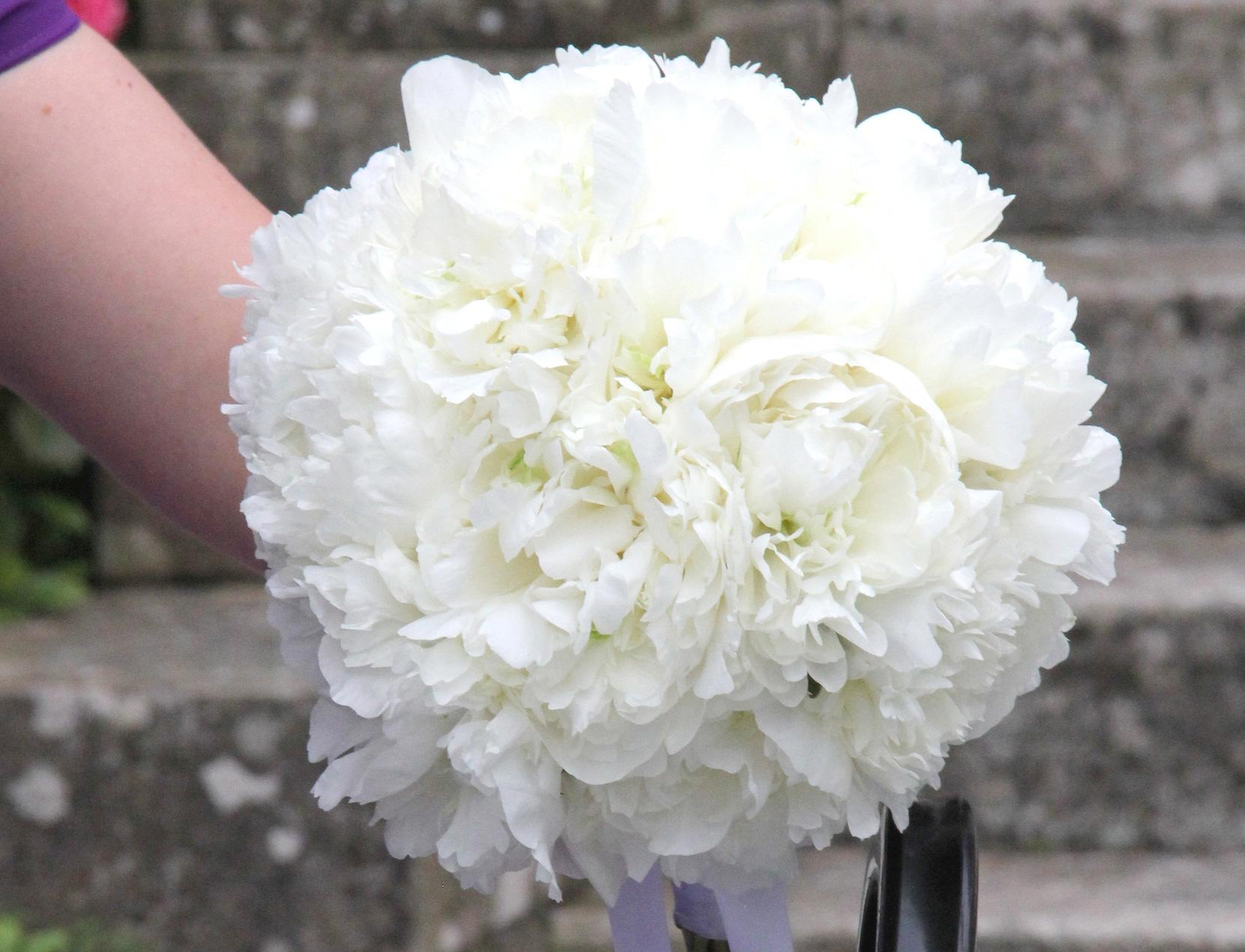 sirmione-peony-bouquet