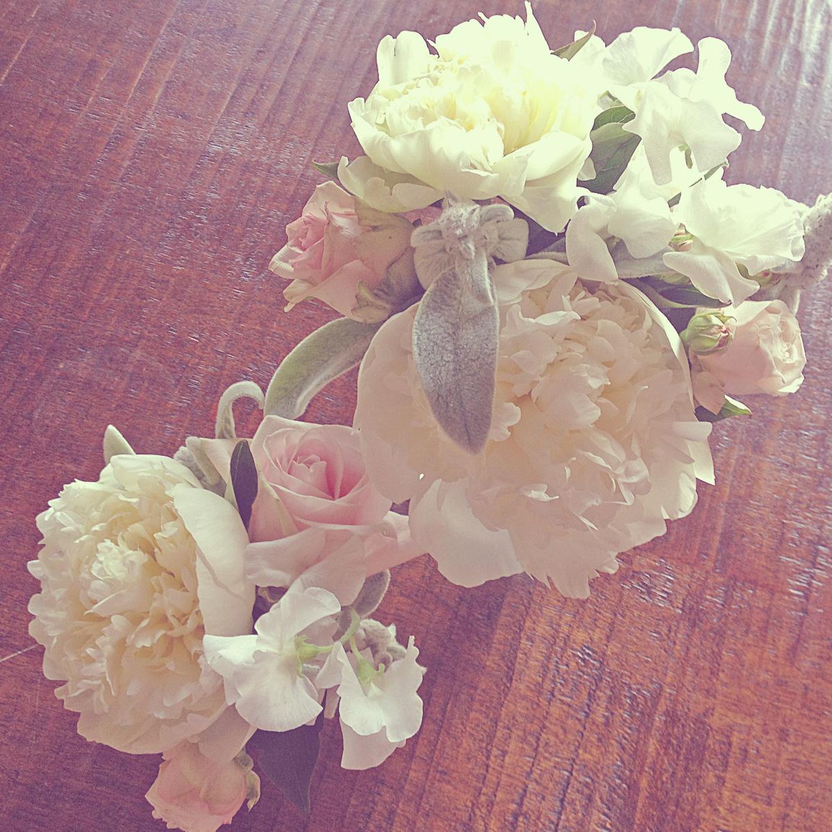 02-wedding-ceremony-peony-rose
