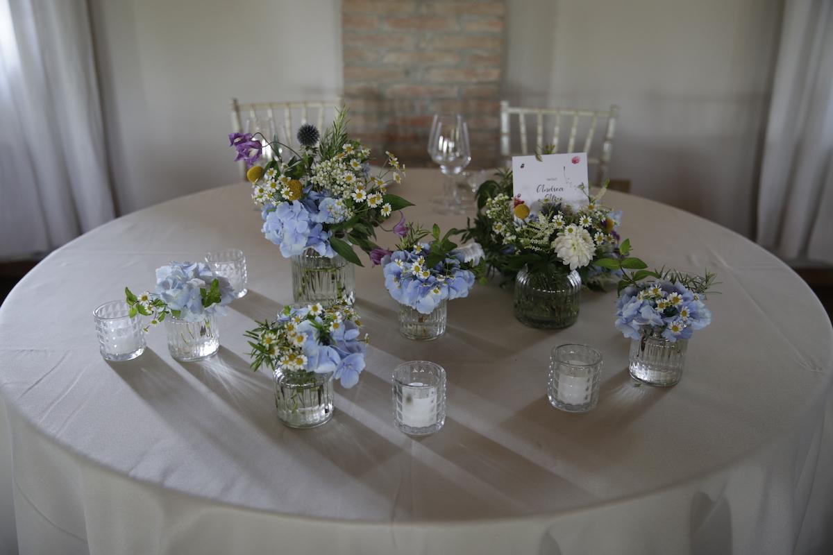 aa-allestimento-floreale-tavolo-sposi