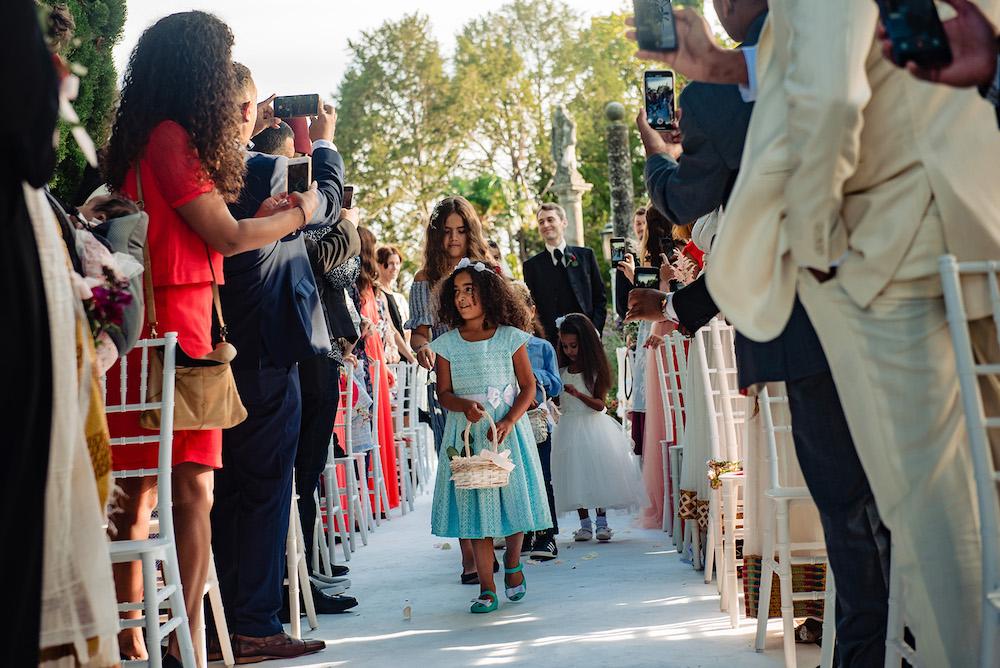 02-floral-decorations_aisle-villa-cortine-sirmione-wedding