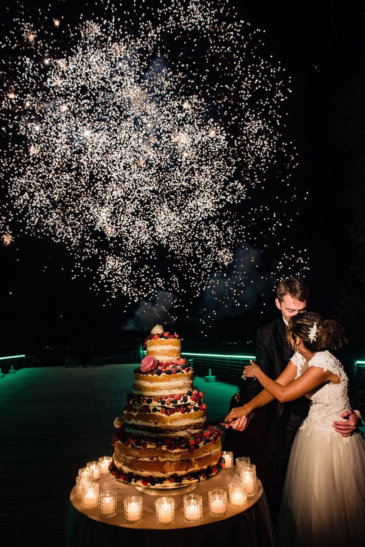 20-floral-decorations_villa-cortine-sirmione-wedding-cake